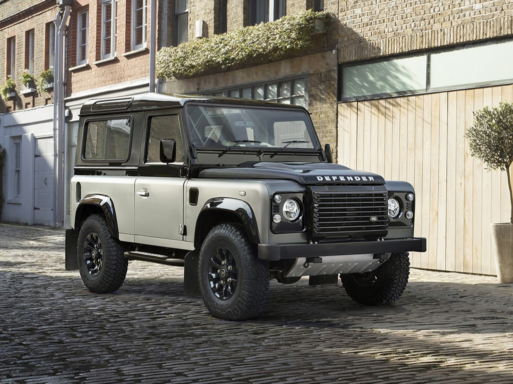 2015-Land-Rover-Defender-Autobiography