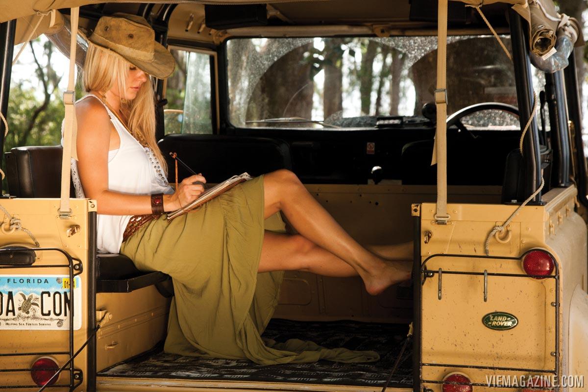 30A-Land-Rover-01